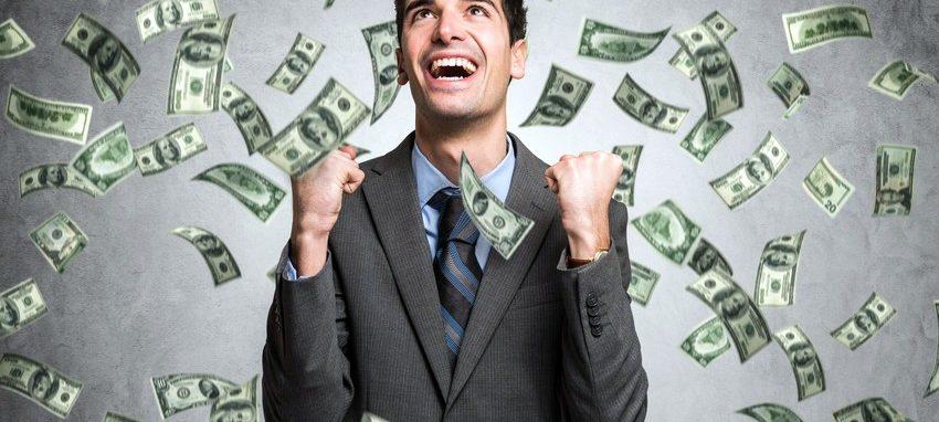 Recruitment Margins man with cash